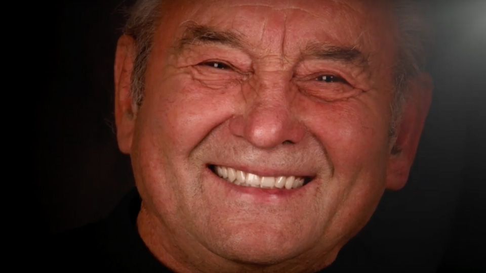 Géza mosolya